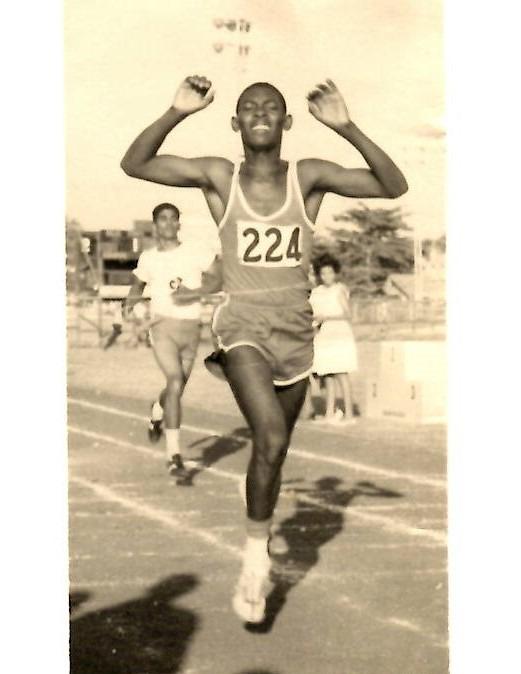 Norberto James Rawlings como joven atleta